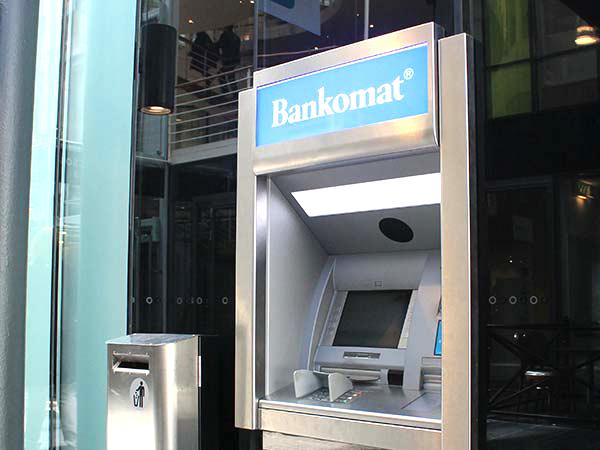 Automatservice, betalsystem och laddstolpar