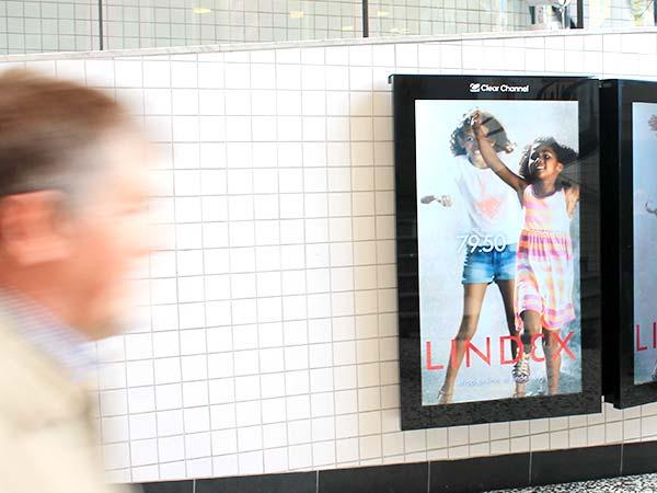 Offentlig reklam