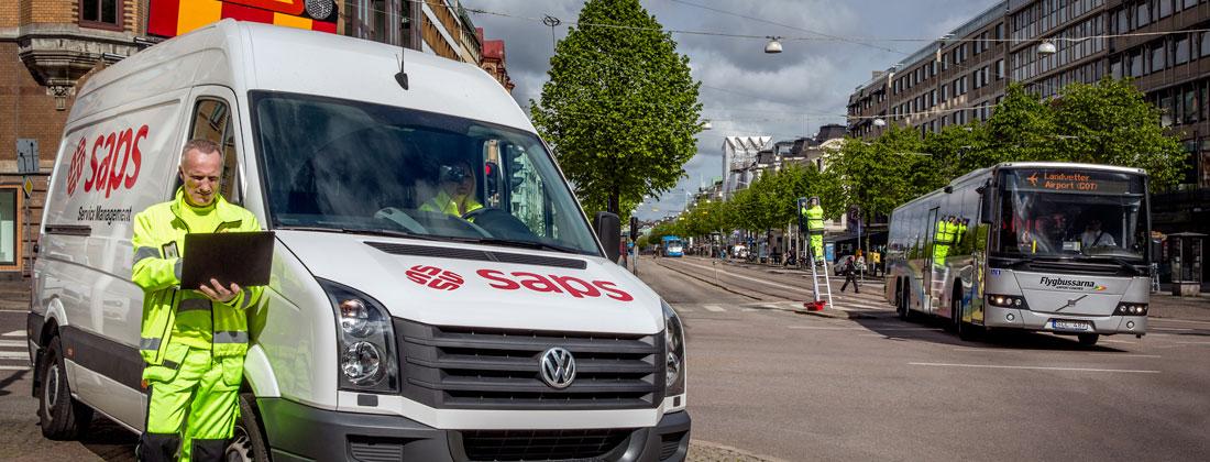 Hållplatsservice med Saps-tekniker samt Saps fordon